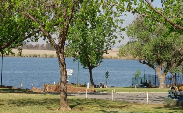slipway-and-view-onto-vaal-river