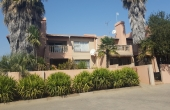 105585288, Apartment within secure estate on the Vaal River