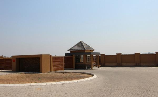 entrance-to-estate