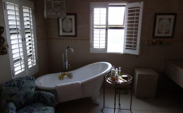 main-bathroom-view-one