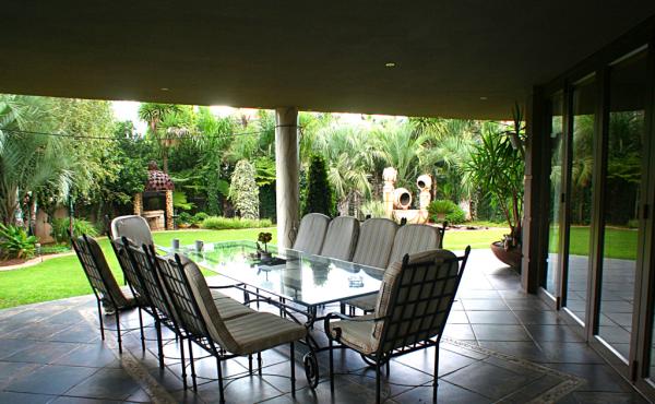 2-garden-patio