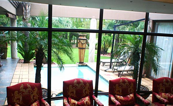 7-reception-area