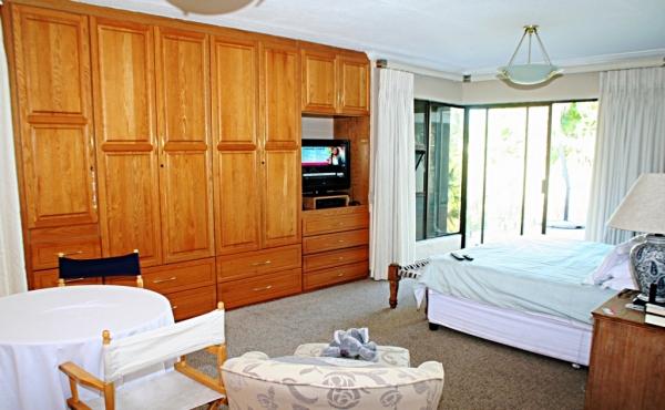 spacious-master-suite