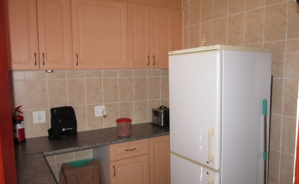 guest-kitchenette