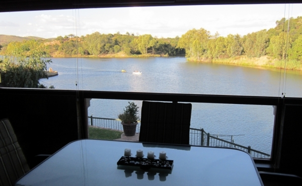 patio-overlooking-vaal-river