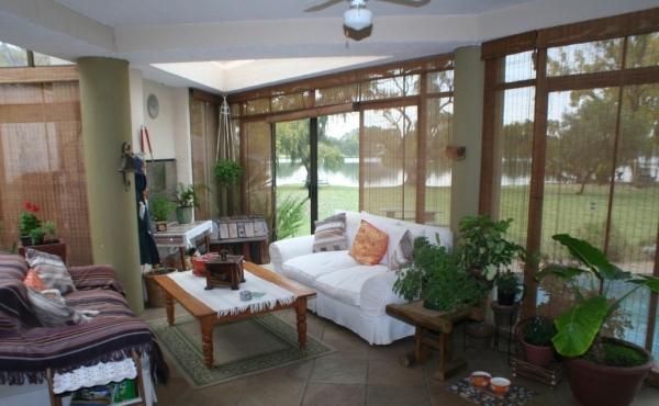 informal-lounge