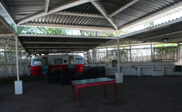 entertainment-area-river-front