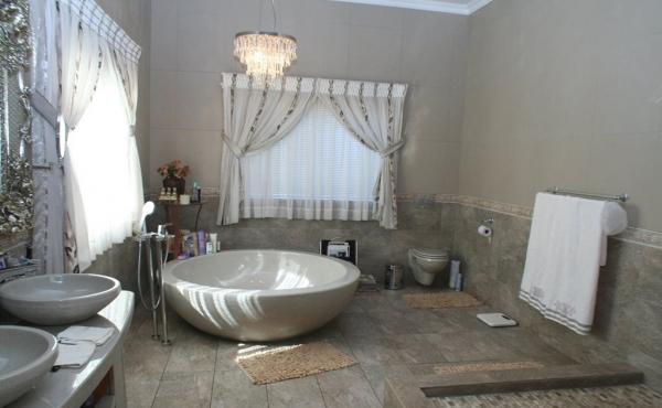 en-suite-master-bedroom-home-1