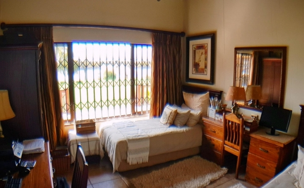bedroom-1-main-home