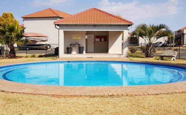 swimming-pool-parking