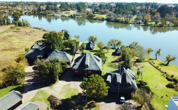 view-of-estate-to-vaal-river