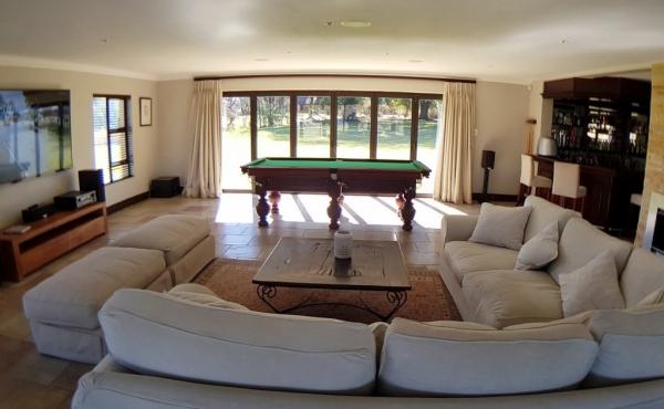 lounge-area-open-plan