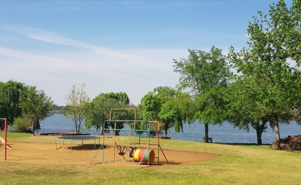 childrens-play-area-on-waterfront