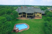 1940422, Spacious River Home - Vaal River