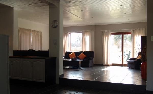cottage-open-pla