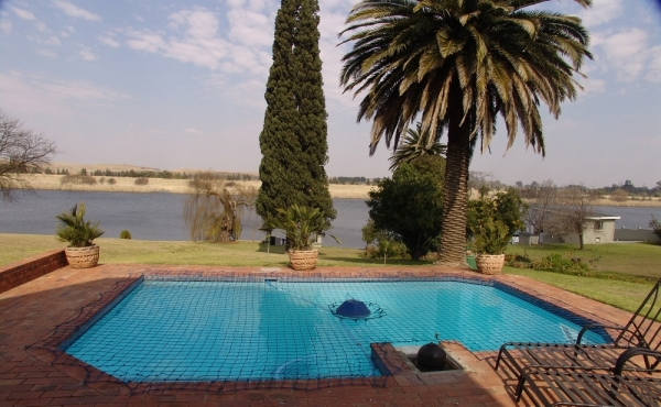 pool-at-main-home