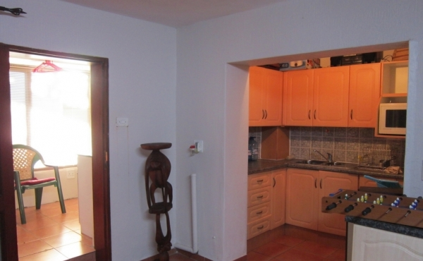 cottage-kitchenette