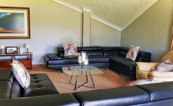 lounge-home-1