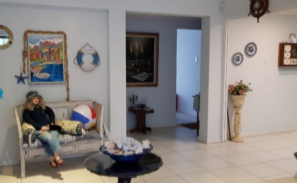 reception-area-home-2