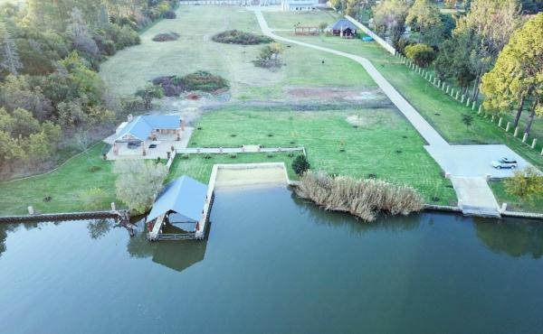 development-land-vaal-river